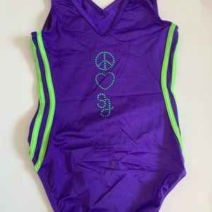 Peace and love Shawn Johnson signed Leo